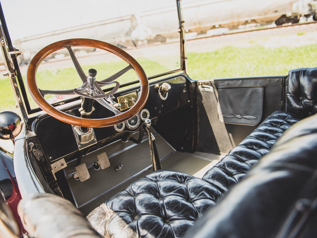 1915 Studebaker Model SD4 Roadster For Sale by Auction (picture 4 of 6)