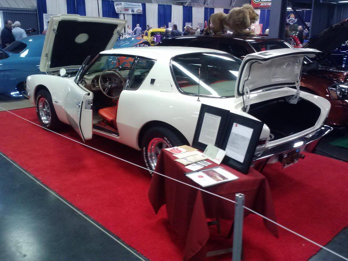 1963 Studebaker Avanti R2 Rare 1 of 50 Colors 32k miles  $43 For Sale (picture 2 of 6)