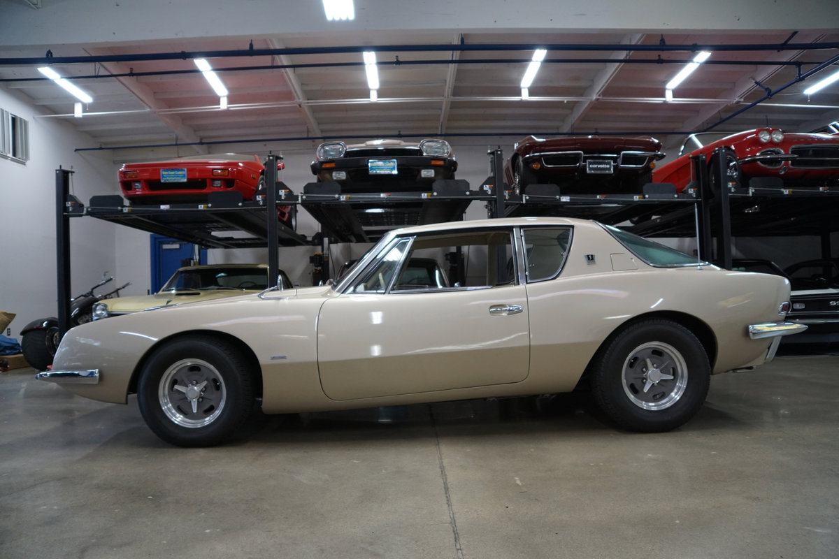 1963 Studebaker Avanti R2 Supercharged 4 spd manual SOLD (picture 2 of 6)