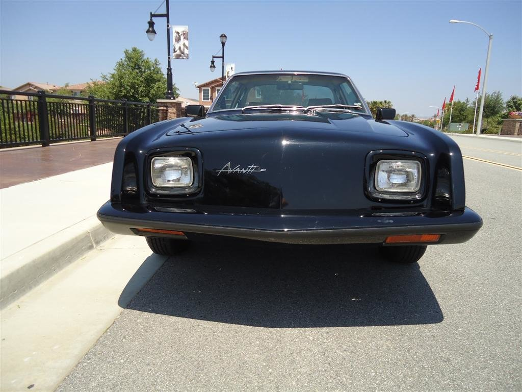 """Studebaker Avanti 1984  V8   """"WOW!"""" For Sale (picture 2 of 6)"""