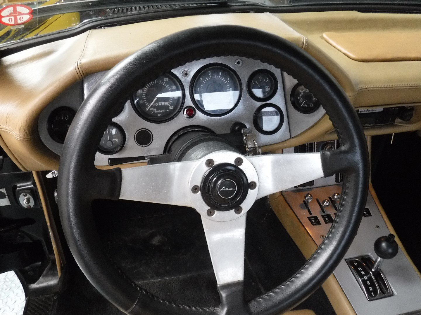 """Studebaker Avanti 1984  V8   """"WOW!"""" For Sale (picture 6 of 6)"""
