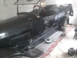 Picture of 1920 Studebaker big 6 tourer