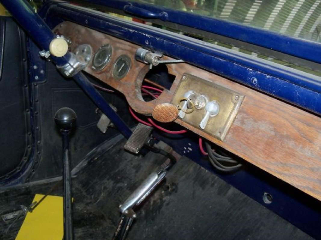1917 Studebaker Touring Car For Sale (picture 4 of 8)
