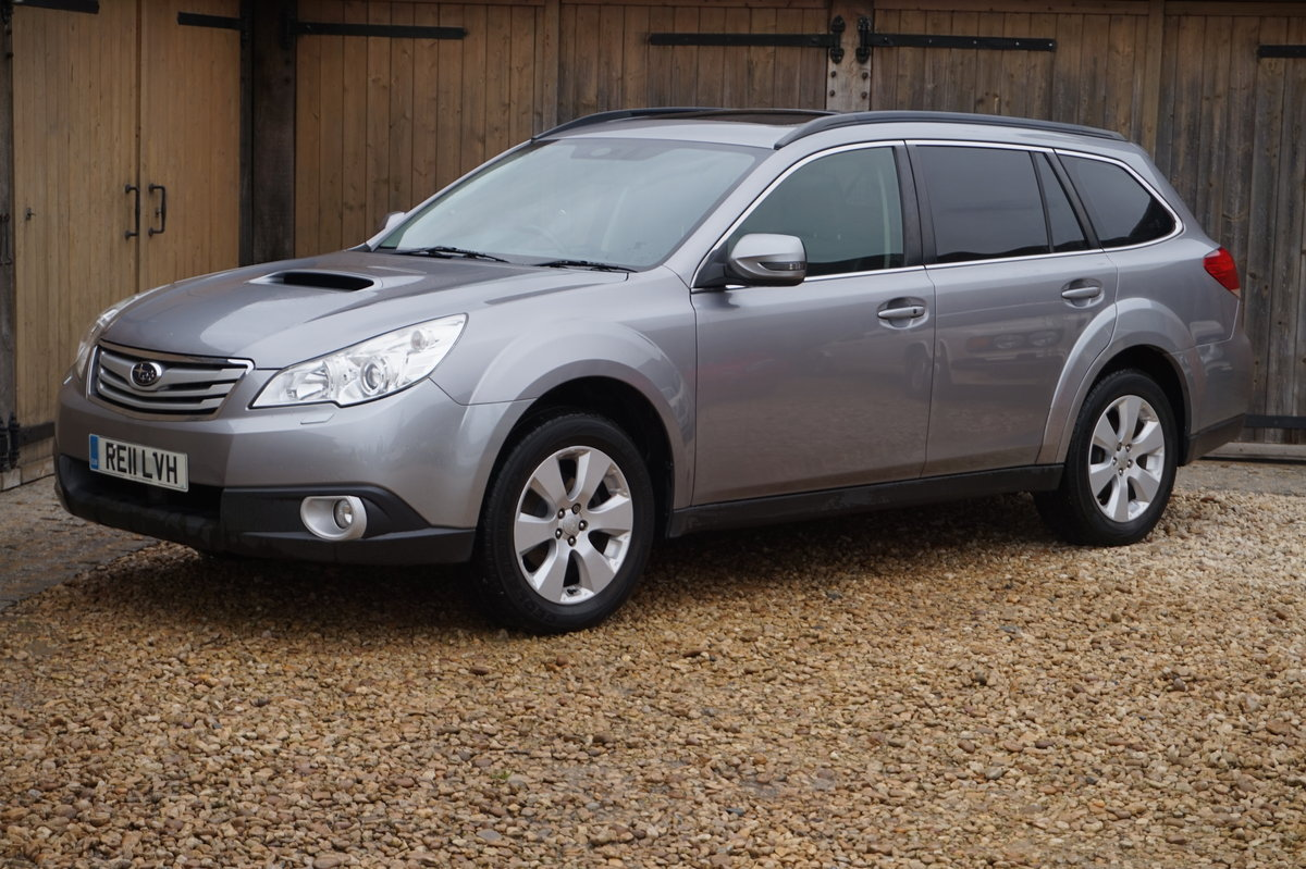 2011 SUBARU OUTBACK SE NAV STUNNING CONDITION SOLD (picture 1 of 6)