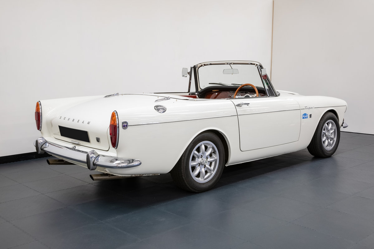 1965 Sunbeam Tiger Mk1 Convertible. For Sale (picture 2 of 6)