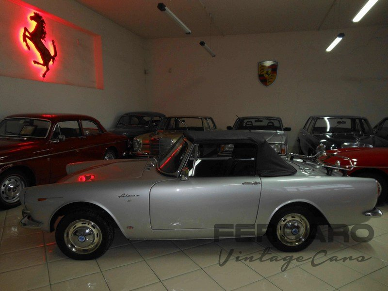 1964 Sunbeam Alpine IV Series Roadster For Sale (picture 2 of 6)