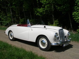 Drive it like Grace Kelly: 1955 Sunbeam Alpine Roadster