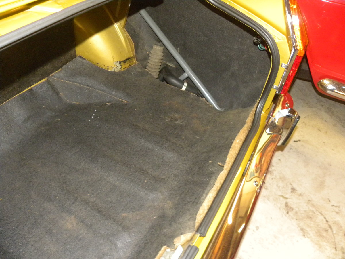 1971 SUNBEAM ALPINE FASTBACK...32,000 MILES ONLY For Sale (picture 5 of 6)