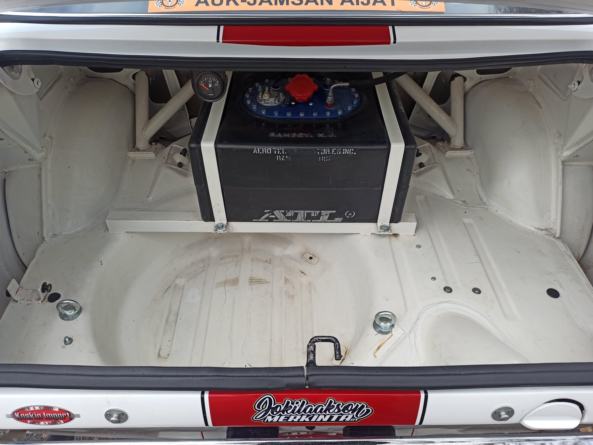 1976 Sunbeam Avenger rally car For Sale (picture 3 of 6)