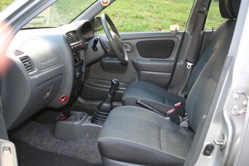 Suzuki Alto 1.1 GL.. Very Low Miles & FSH.. 5 Door Hatchback SOLD (picture 3 of 6)