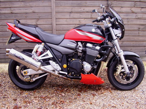 2006 Suzuki GSX 1400 K5 (2 owners, 7400 miles, Lots of extras) SOLD (picture 1 of 6)