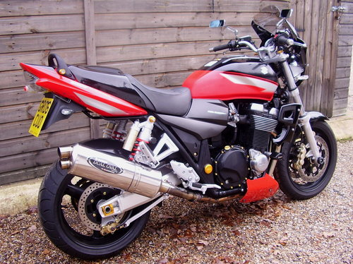 2006 Suzuki GSX 1400 K5 (2 owners, 7400 miles, Lots of extras) SOLD (picture 3 of 6)