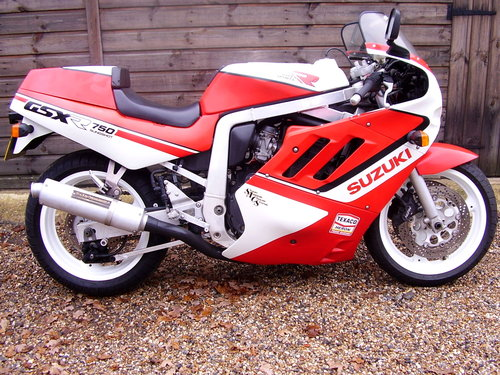 1989 Suzuki GSX-R 750-J 'Slingshot' (UK bike, Restored 2015) For Sale (picture 1 of 6)