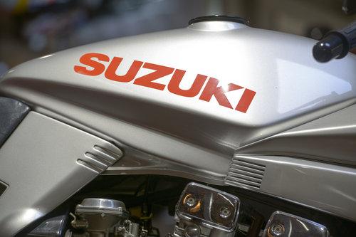 1991 SUZUKI GSX1000 S KATANA 1000CC RESTORED EXAMPLE For Sale (picture 2 of 6)
