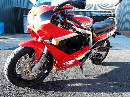 1990 Restored Suzuki GSX-R 1100L For Sale (picture 2 of 6)