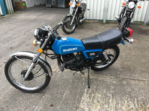 1978 SUZUKI TS125 FULLY RETORED POSSIBLE SHOW WINNER For Sale (picture 1 of 6)