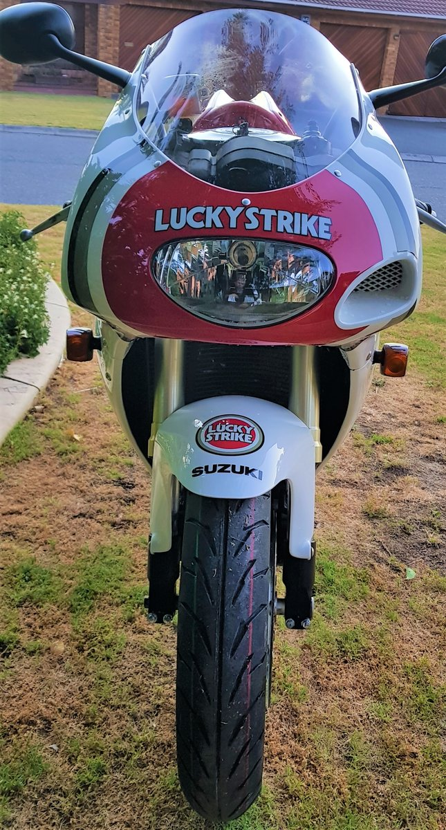 1996 LUCKY STRIKE! SUZUKI RGV250SP VJ23. FULL POWER! For Sale (picture 4 of 6)