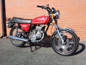SUZUKI GT185 1974 183cc TWIN. Historic Vehicle free tax and