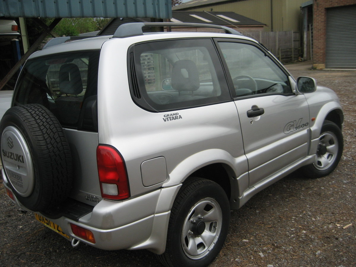 2001 Suzuki Grand Vitara 3 door SE SOLD (picture 3 of 6)