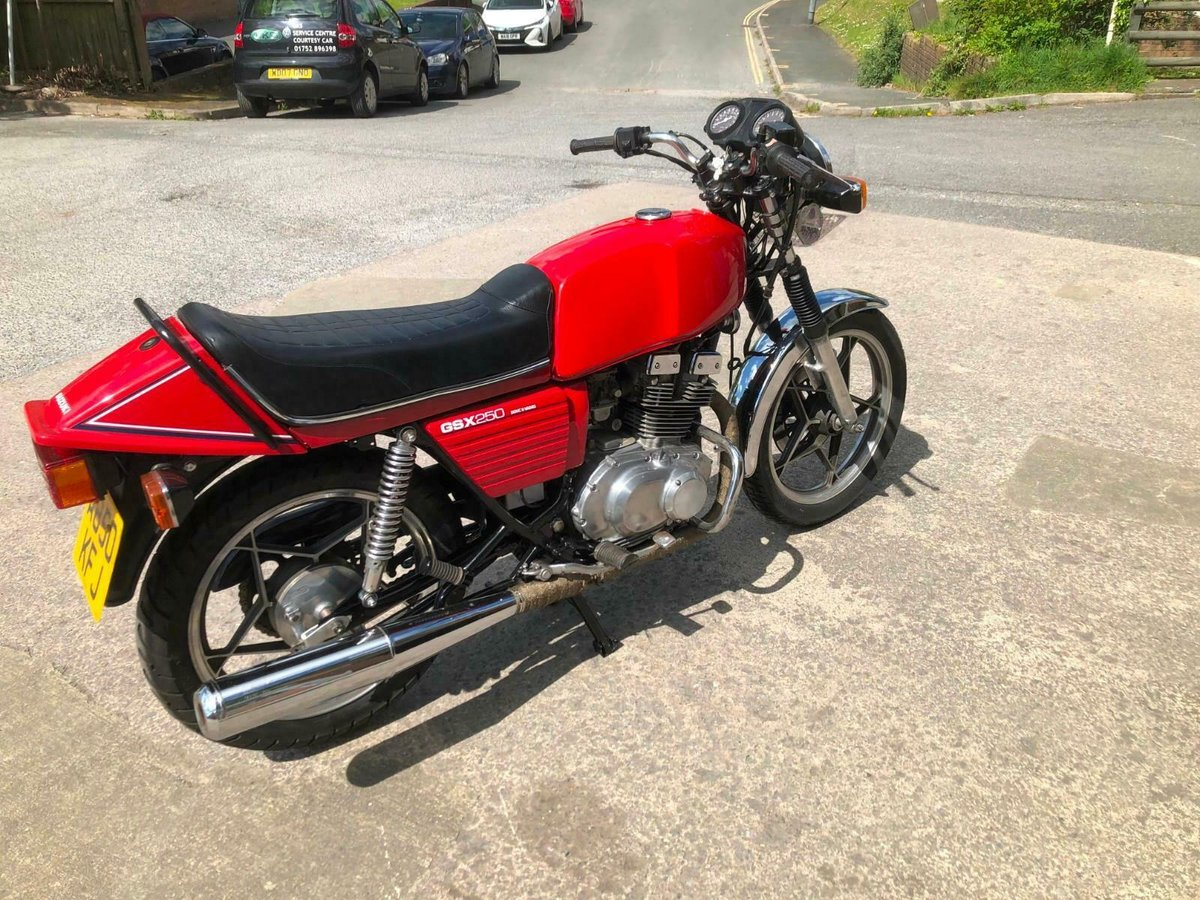 SUZUKI GSX 250cc 1983 PROJECT STOCK CLEARANCE For Sale (picture 3 of 6)