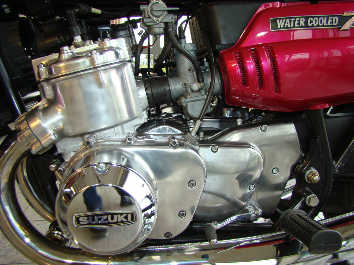 SUZUKI GT 750 J 1972 VIDEO ! For Sale (picture 5 of 6)