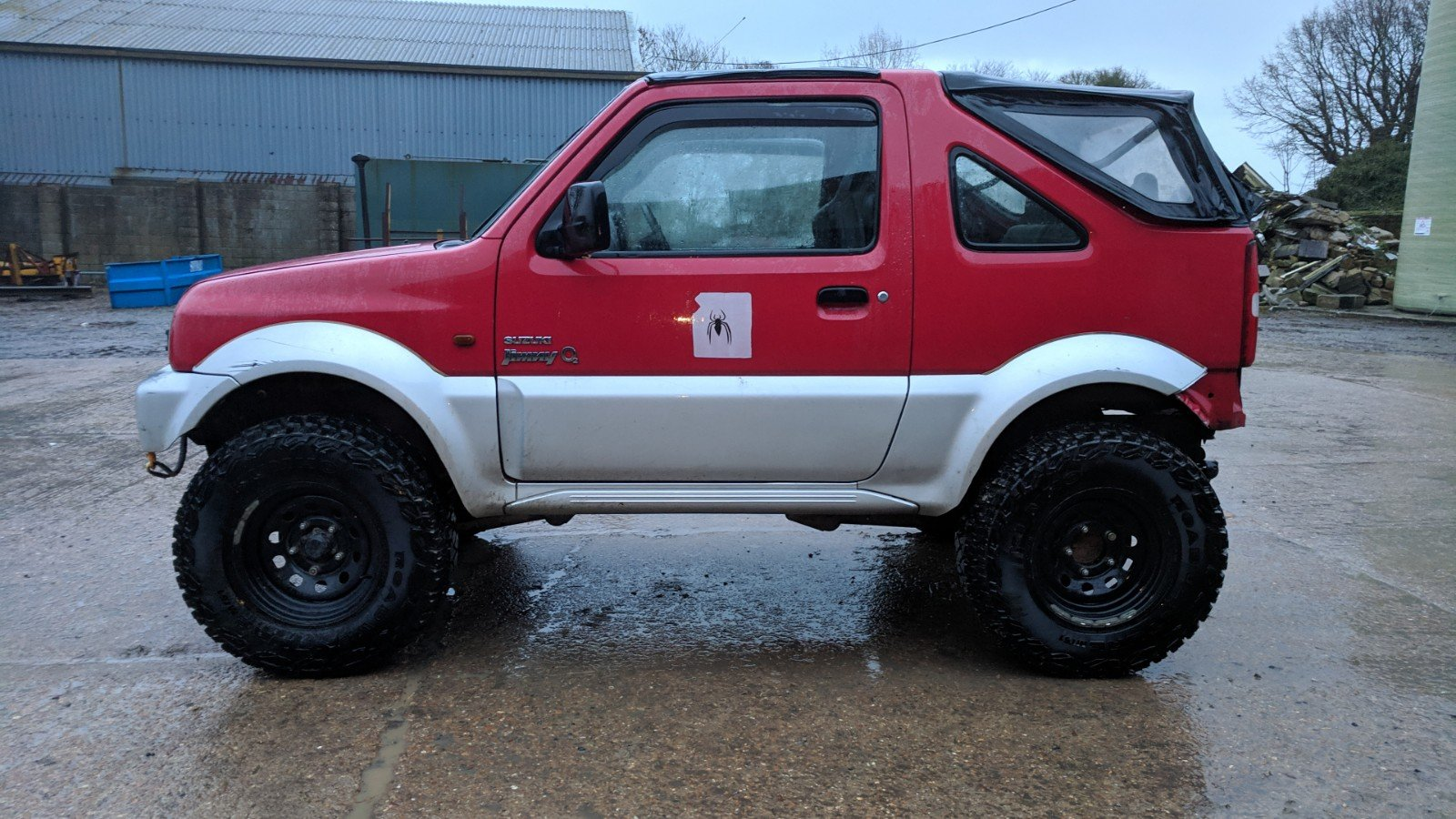Suzuki Jimny 2003 Gloss Red Leather Trim For Sale (picture 3 of 6)