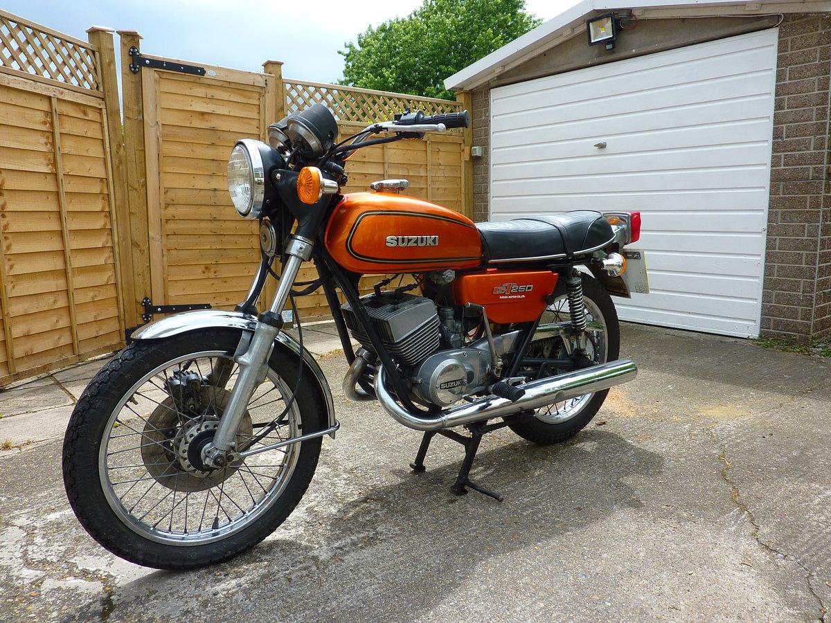 1977 Suzuki GT250B project bike SOLD (picture 1 of 6)