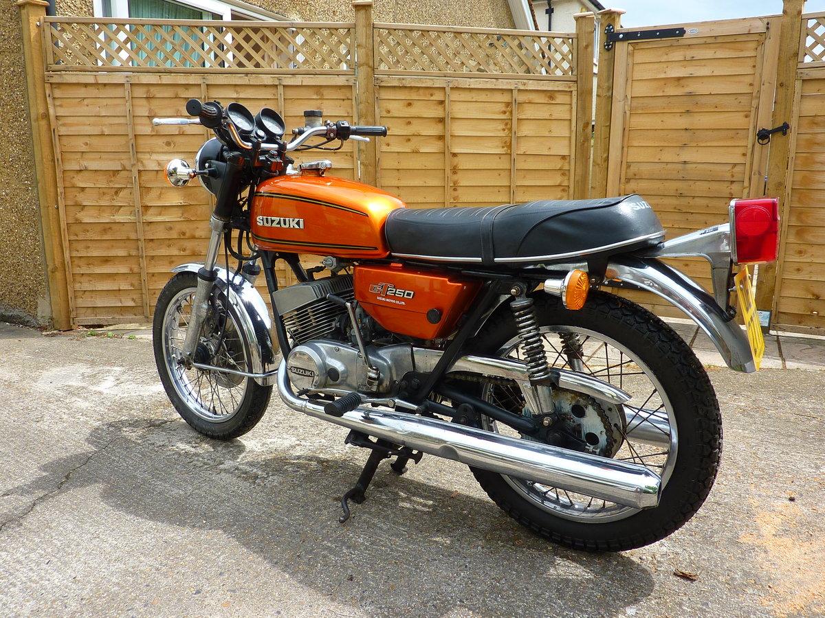 1977 Suzuki GT250B project bike SOLD (picture 2 of 6)