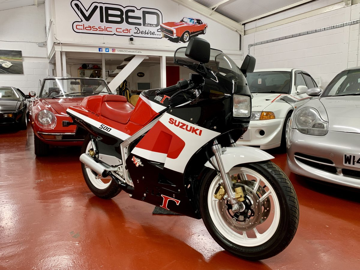 Suzuki RG500 CH 1987 // Incredible Concours Restoration For Sale (picture 1 of 6)