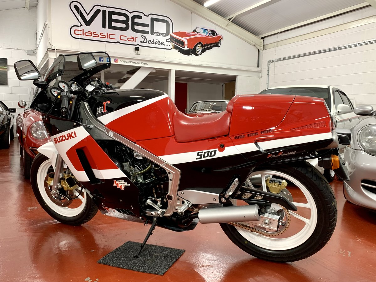 Suzuki RG500 CH 1987 // Incredible Concours Restoration For Sale (picture 2 of 6)