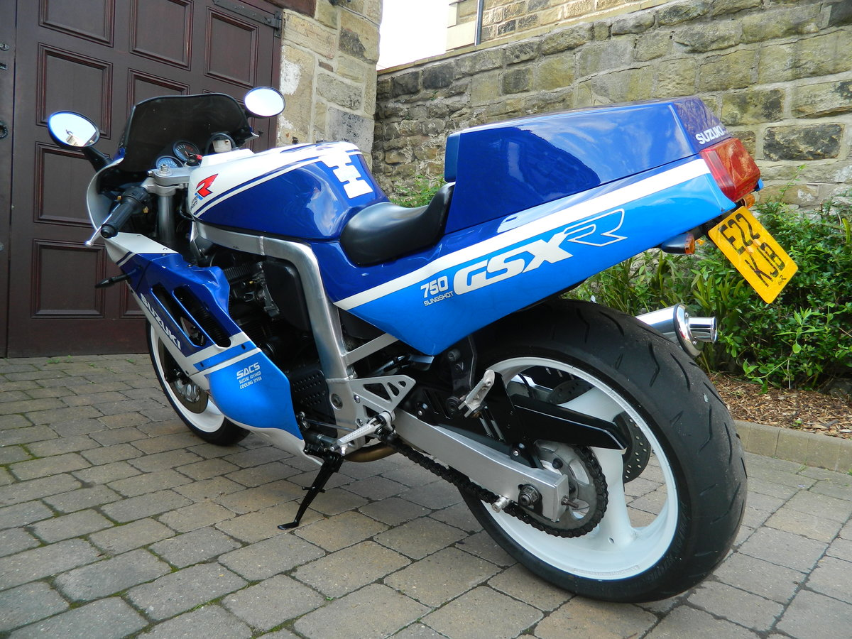 1988 Suzuki GSX-R750 Restored 2018 For Sale (picture 4 of 6)