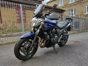 2009 Suzuki gsf 650 k9 motorbike with box and extras