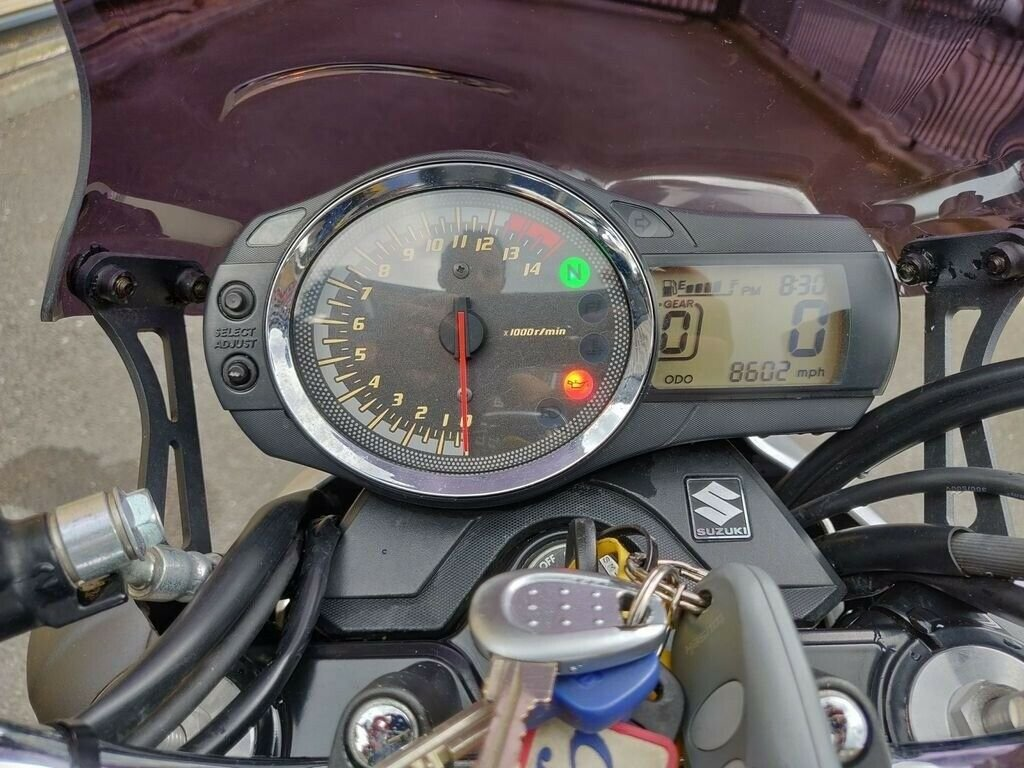 2009 Suzuki gsf 650 k9 motorbike with box and extras For Sale (picture 6 of 6)