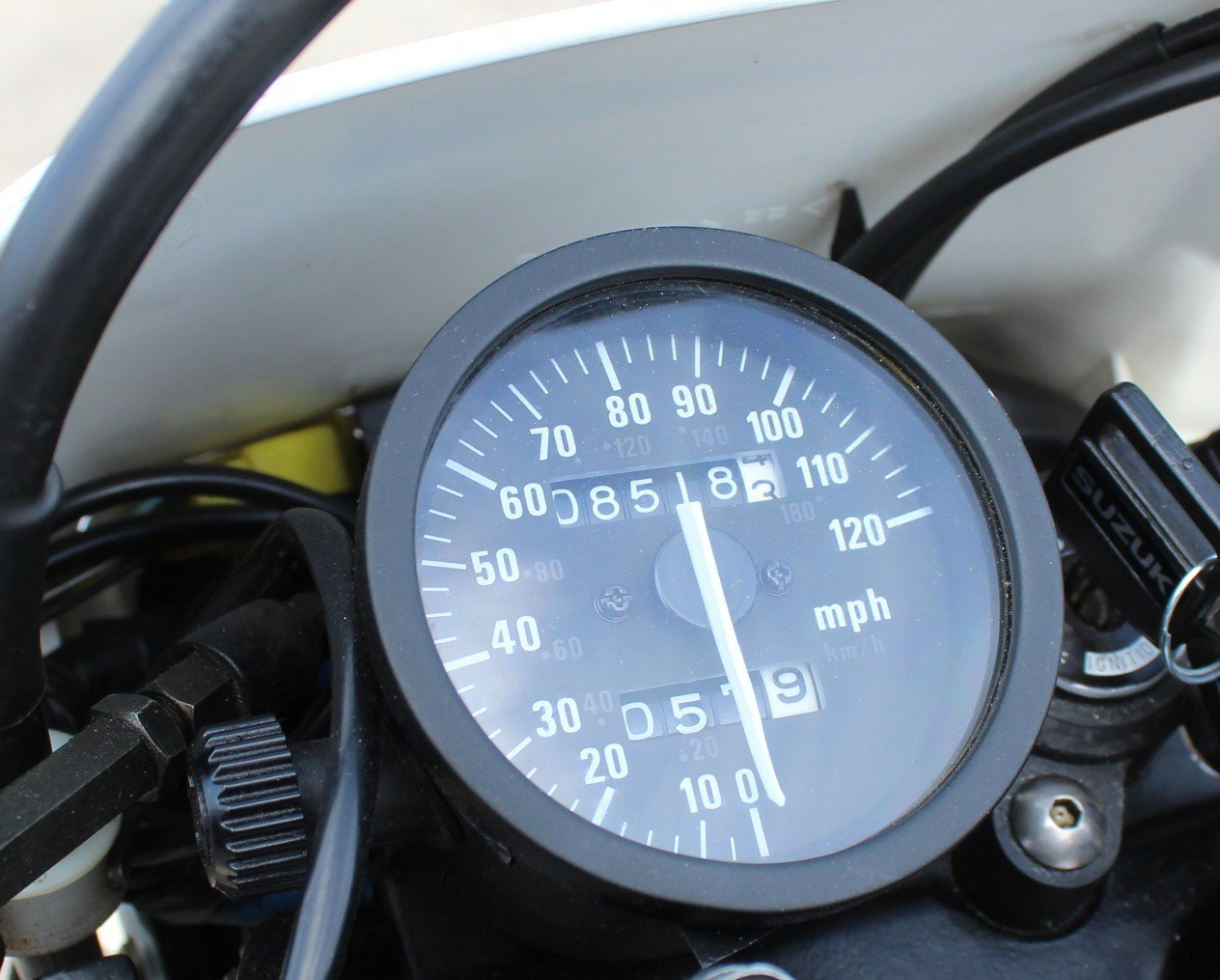 1998 Suzuki DR650 SE (Electric Start)  8,000 miles from new  SOLD (picture 5 of 6)