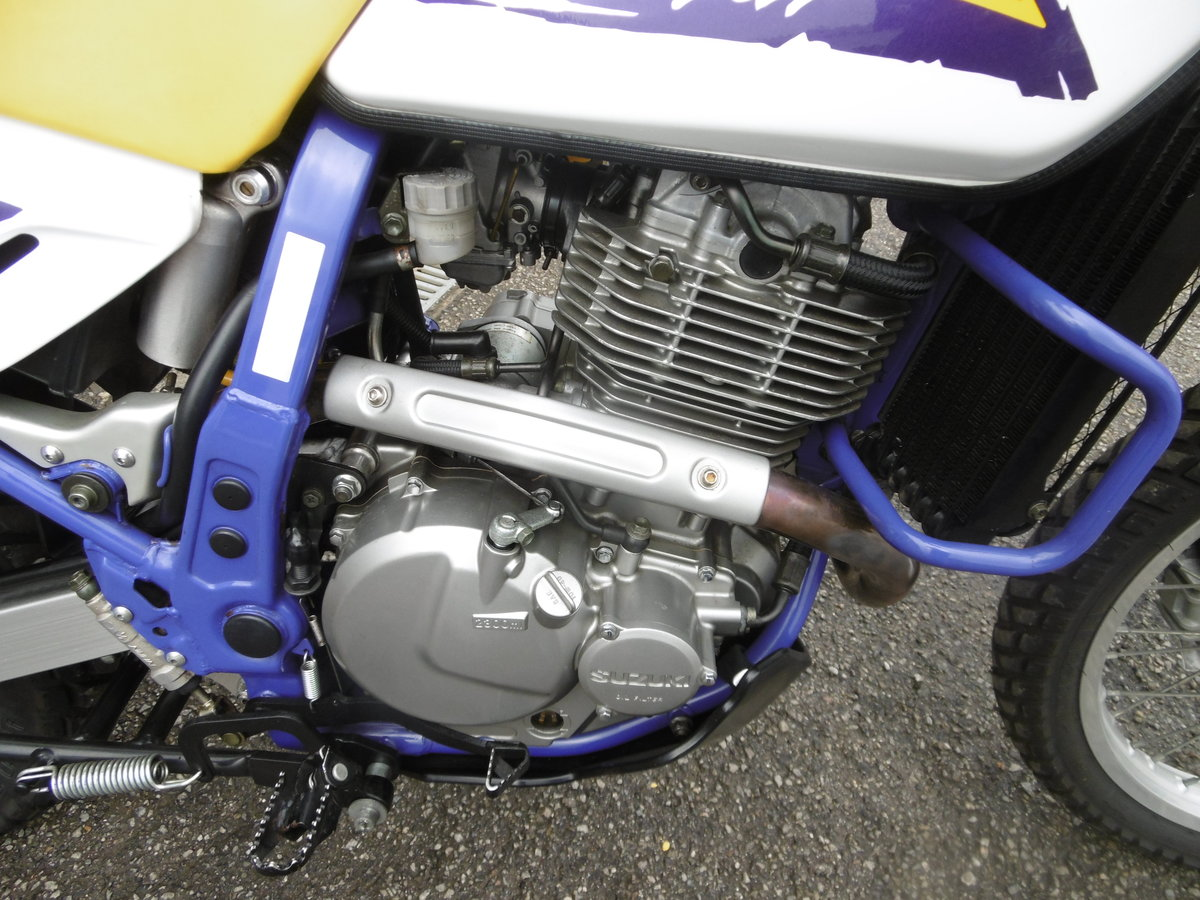 1998 Suzuki DR650SE 8500miles STUNNING and PERFECT  For Sale (picture 2 of 6)