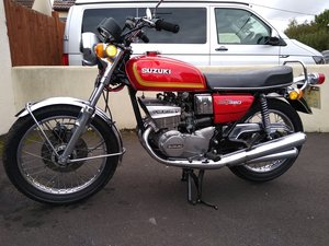 1974 Suzuki GT 380 with new Mot For Sale
