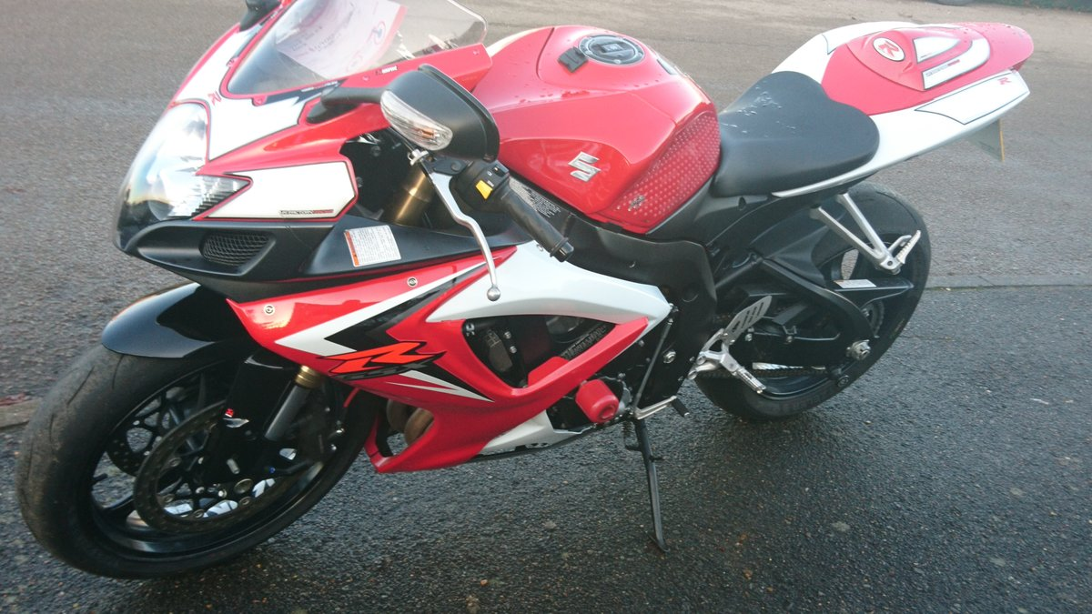 2008 FANTASTIC SUZUKI GSXR-600,  EXCELLENT EXAMPLE SOLD (picture 5 of 6)