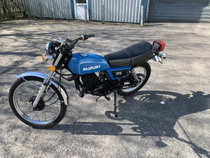 SUZUKI TS125 FULLY RETORED POSSIBLE SHOW WINNER