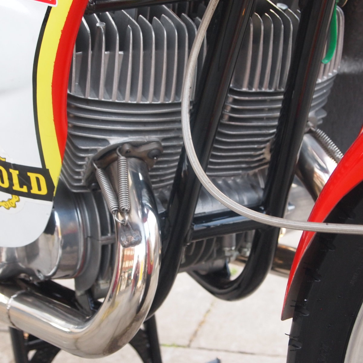 1974 Suzuki GT 500 Barry Sheene Replica Cafe Racer. SOLD (picture 3 of 6)