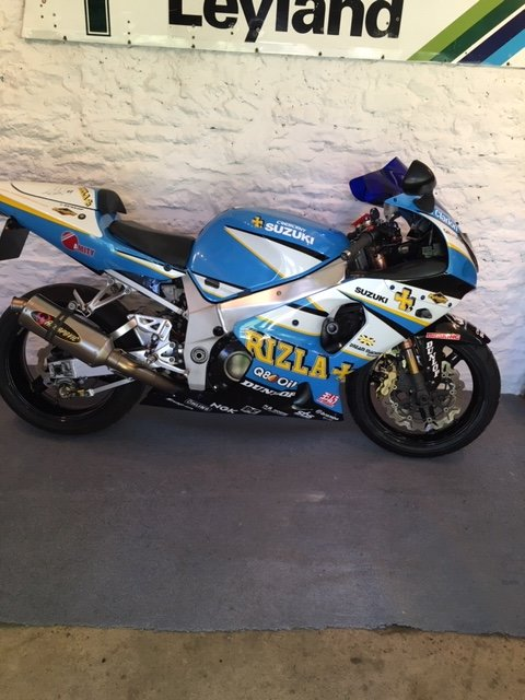 2001 Suzuki GSX-R Rizla Edition signed by JR @ CW SOLD (picture 1 of 6)