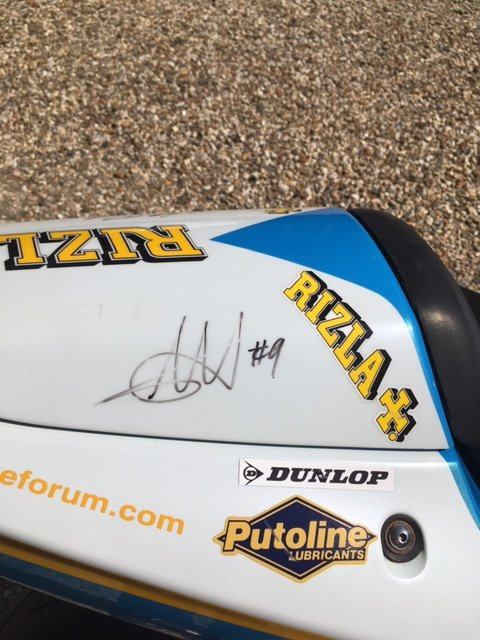 2001 Suzuki GSX-R Rizla Edition signed by JR @ CW SOLD (picture 5 of 6)