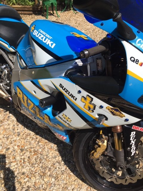 2001 Suzuki GSX-R Rizla Edition signed by JR @ CW SOLD (picture 6 of 6)
