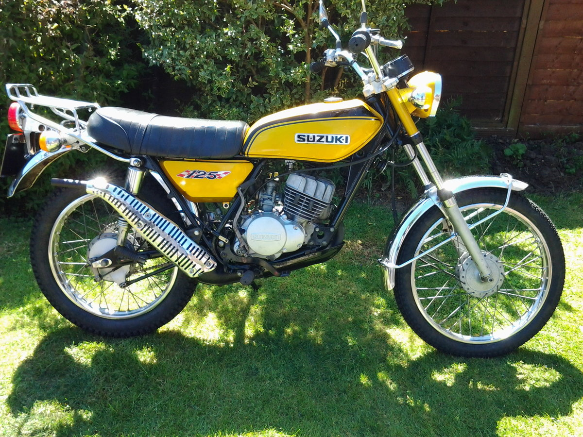 1971 Suzuki ts125r classic trail/road motorcycle SOLD (picture 1 of 6)