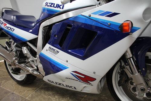 1990 Suzuki GSXR 1100 L DOHC 25,873 miles SUPERB  SOLD (picture 3 of 6)