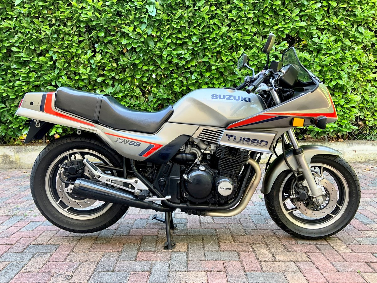 Suxzuki Turbo XN85 1983 SOLD (picture 2 of 6)