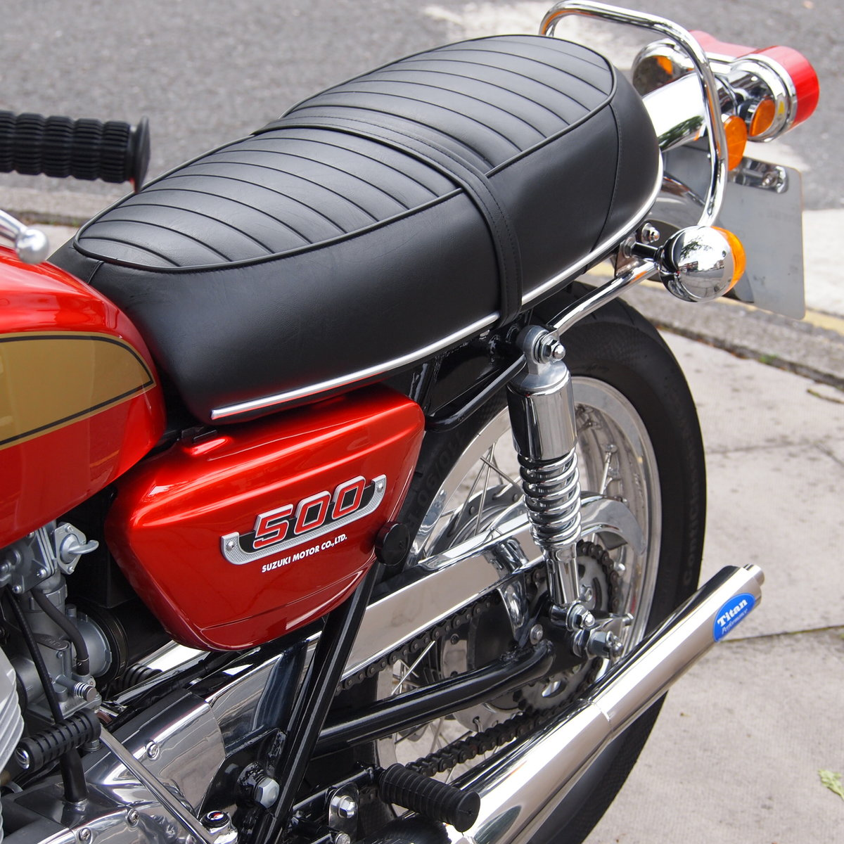 1974 Suzuki T500 In Beautiful Condition, RESERVED FOR TERRY. SOLD (picture 4 of 6)