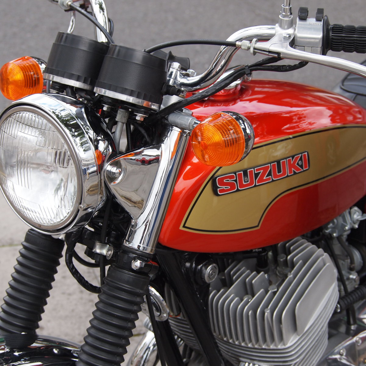 1974 Suzuki T500 In Beautiful Condition, RESERVED FOR TERRY. SOLD (picture 6 of 6)