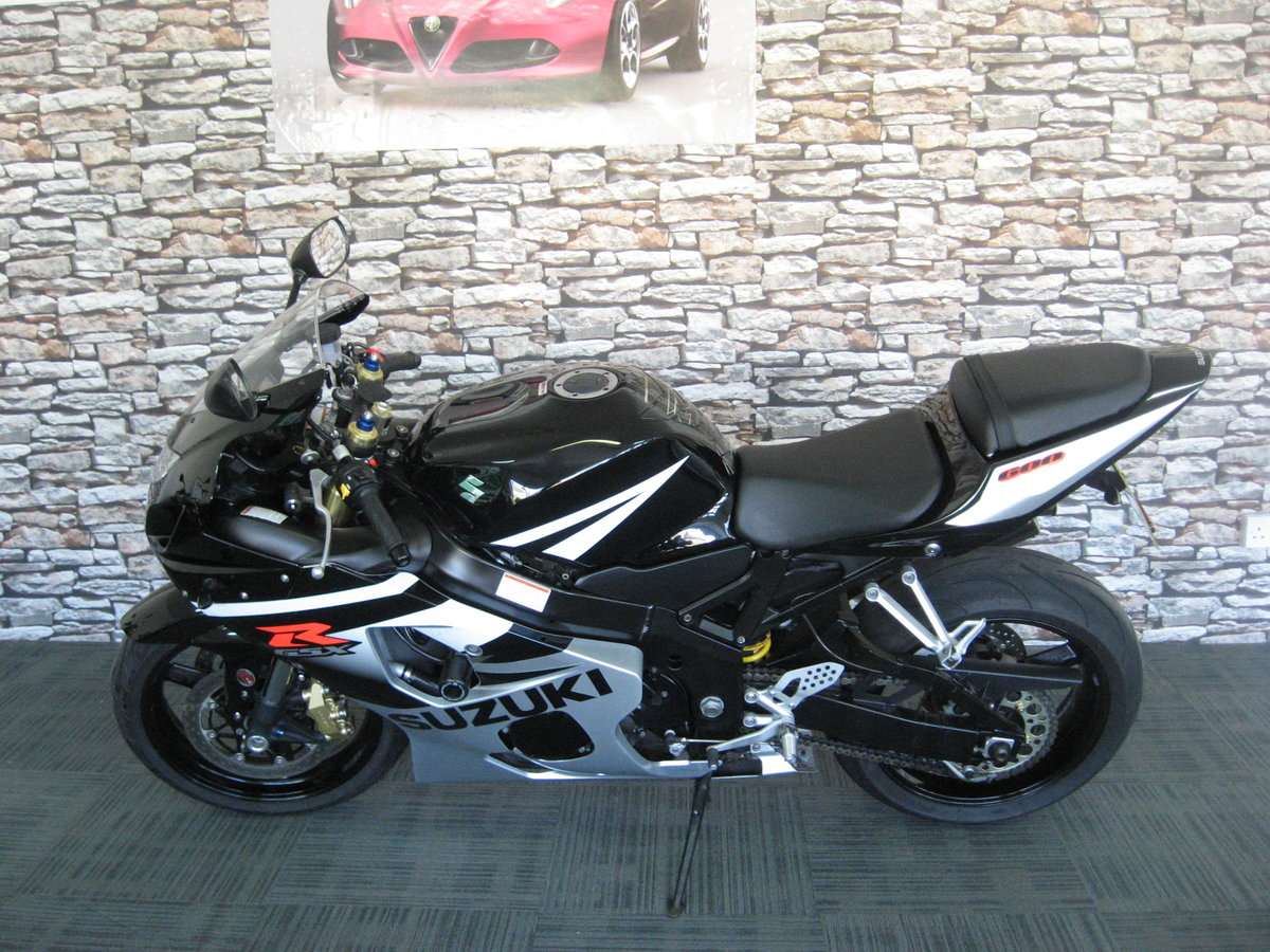 2005 05-reg Suzuki GSXR600 K5 Finished in black and silver m For Sale (picture 2 of 6)