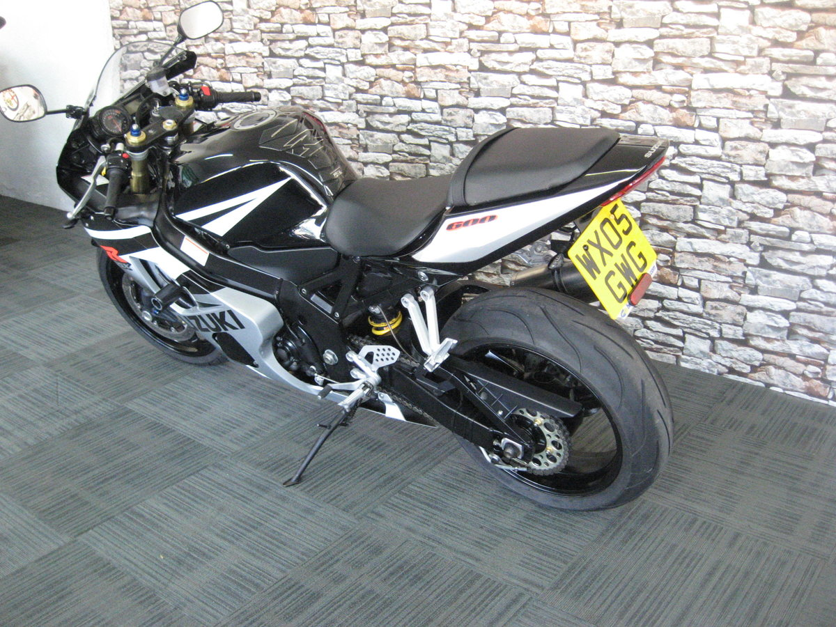 2005 05-reg Suzuki GSXR600 K5 Finished in black and silver m For Sale (picture 4 of 6)