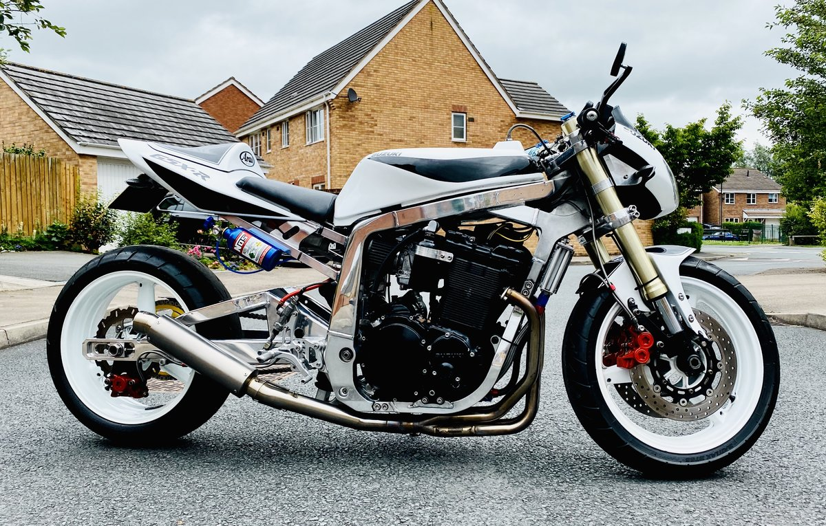 1990 GSXR 1100 drag bike For Sale (picture 1 of 6)